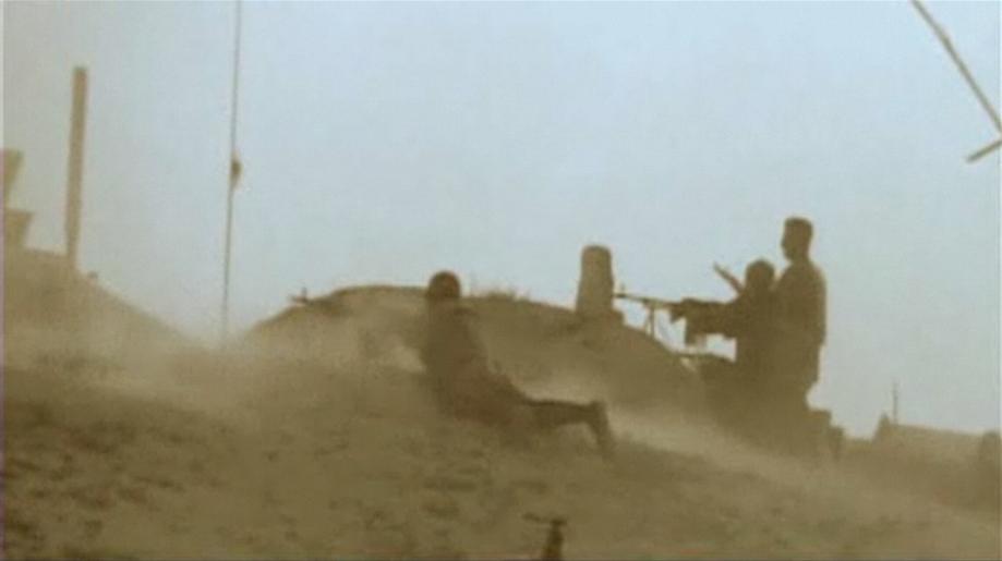 Les premiers coups laissent Omar Khadr inconscient (2002-07-27)