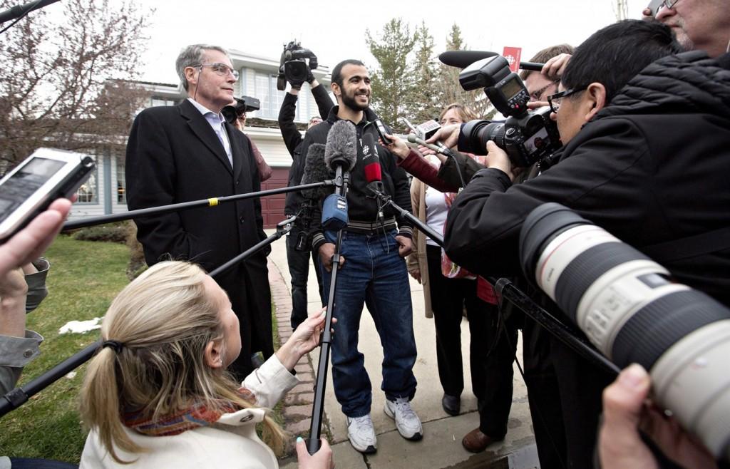 Omar Khadr enfin libre – avec son avocat Dennis Edney et sa femme Patricia Edney – 7 mai 2015